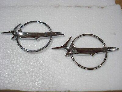 1967-68 Plymouth Barracuda Fish Hood Emblem 2784610