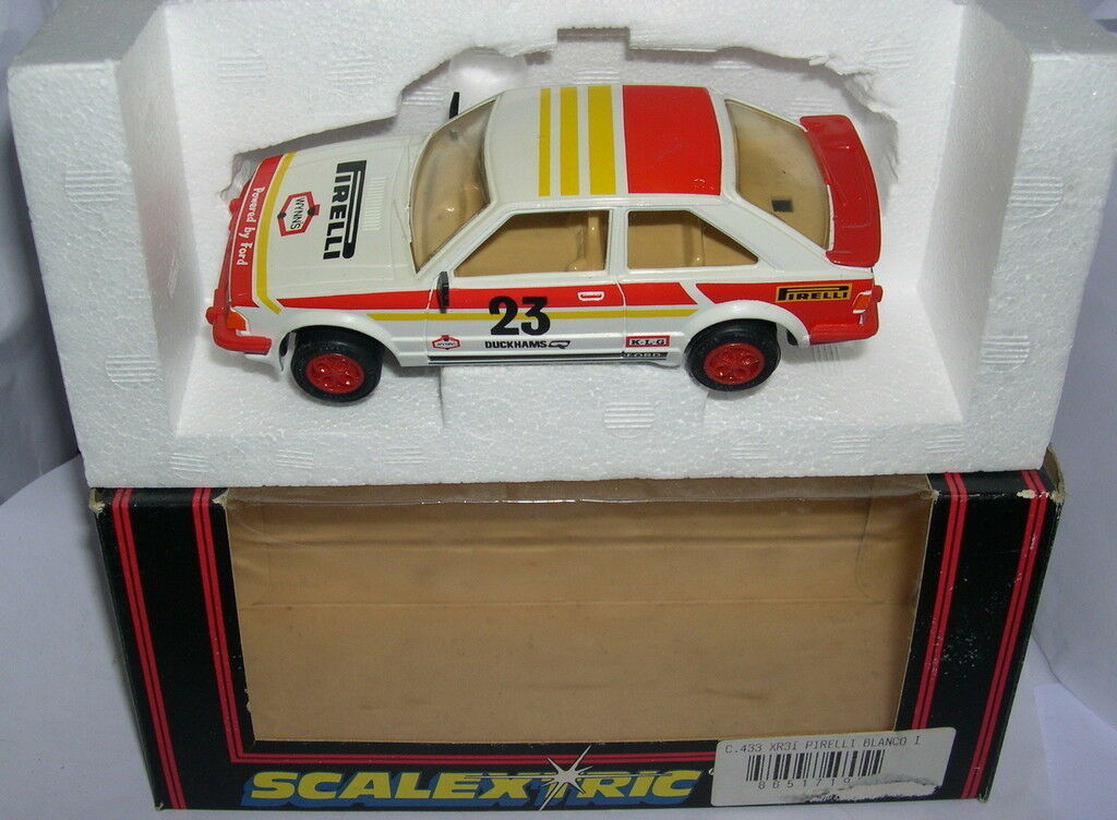 SCALEXTRIC C433 FORD ESCORT XR3I PIRELLI MB