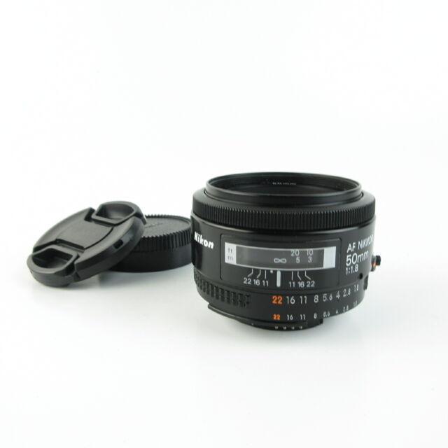 Nikon AF Nikkor 1:1.8 50mm Objektiv lens + caps
