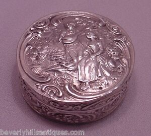 Antique-800-Continental-Silvered-Gilt-High-Relief-Sculptured-Snuff-Box