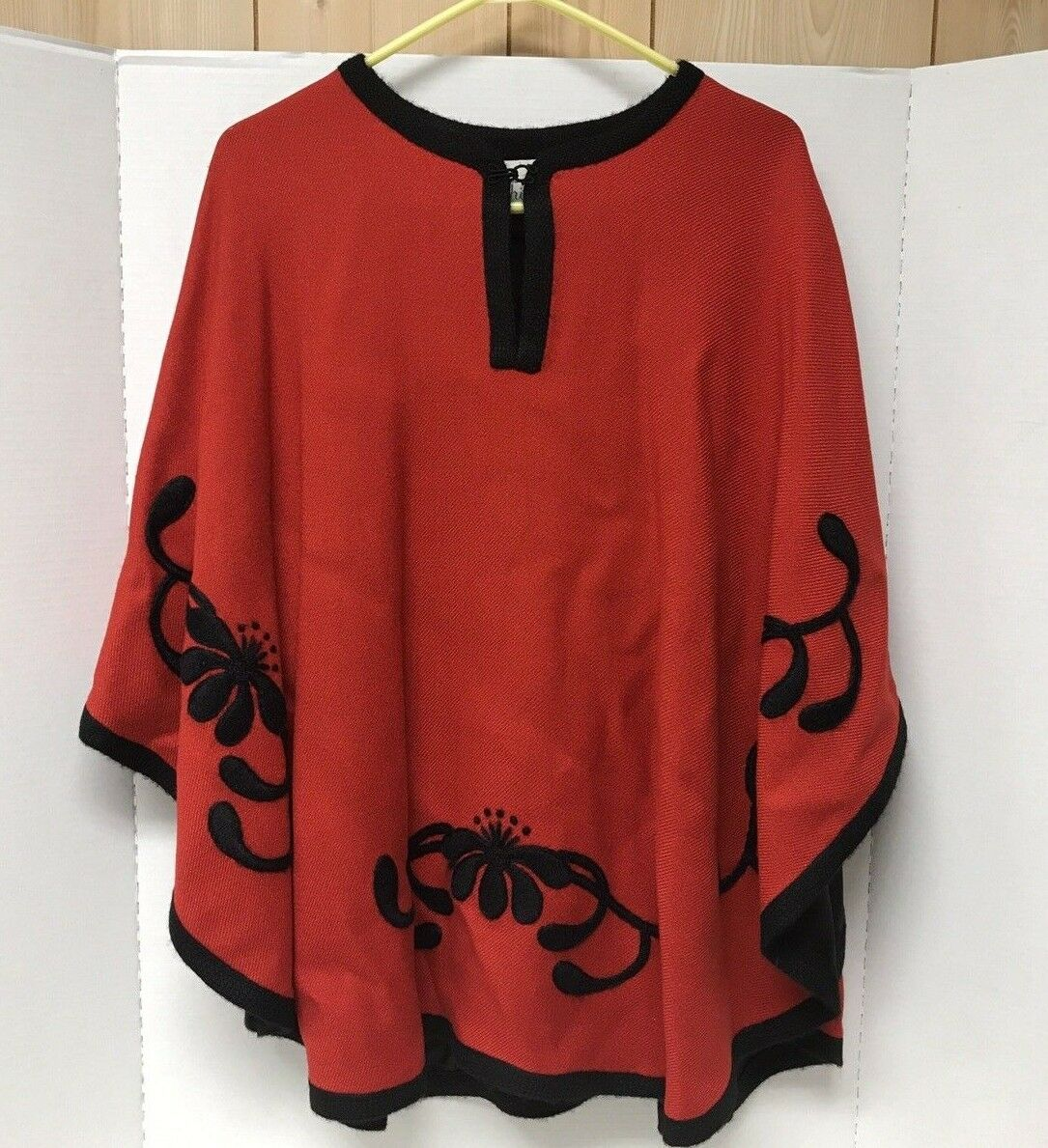 Vintage SUSIE SMITH ORIGINAL Designer Red Wool Cape