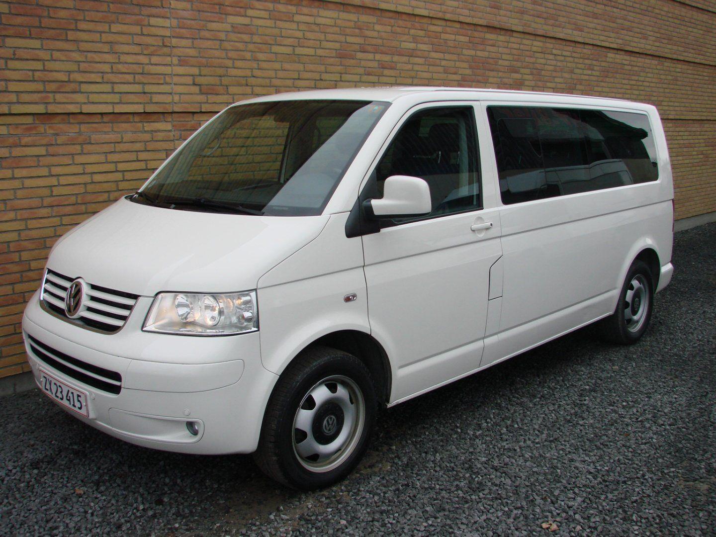 VW Multivan<span class=ik_subtitle>2,5 TDi 174 Comfortline aut. 5d</span>