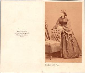 Disderi-Jeune-femme-a-la-coiffure-en-bandeaux-a-l-039-imperatrice-Vintage-CDV