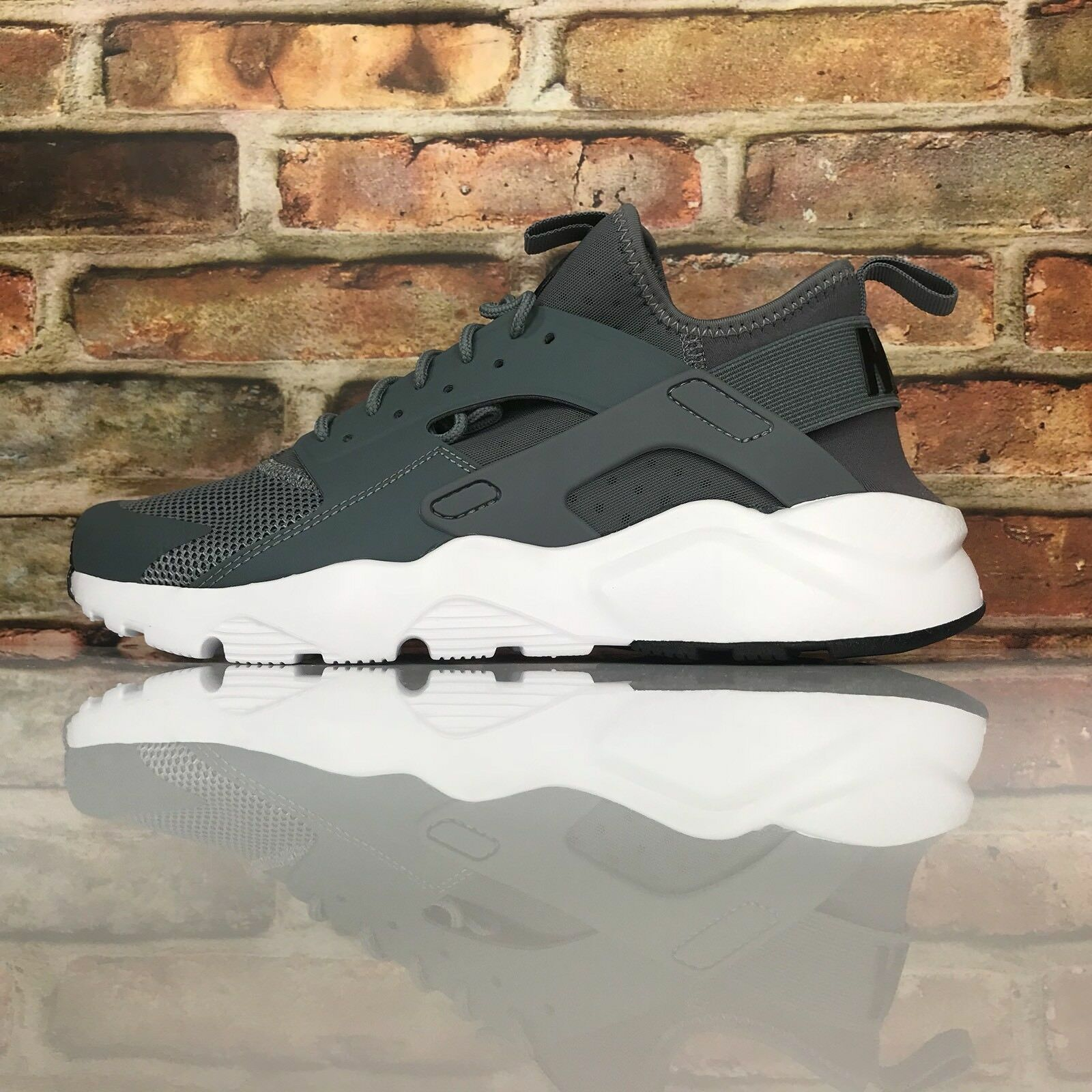 new style 305f2 6d126 nike air huarache cours ultra cool gris - - - blanc et des chaussures  taille 9 24cbbf