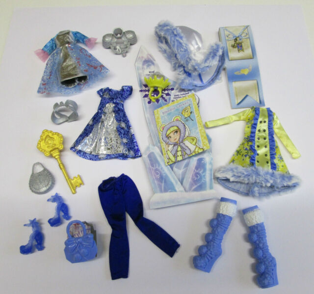 Ever After High ~ Bundle of Doll Clothes, Shoes and Accessories.