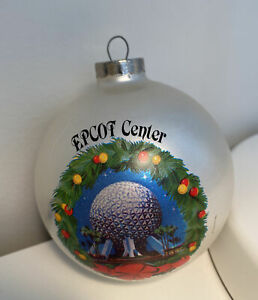 1982 Vintage Disney Epcot Ornament Christmas Wreath Ball White Center Opening