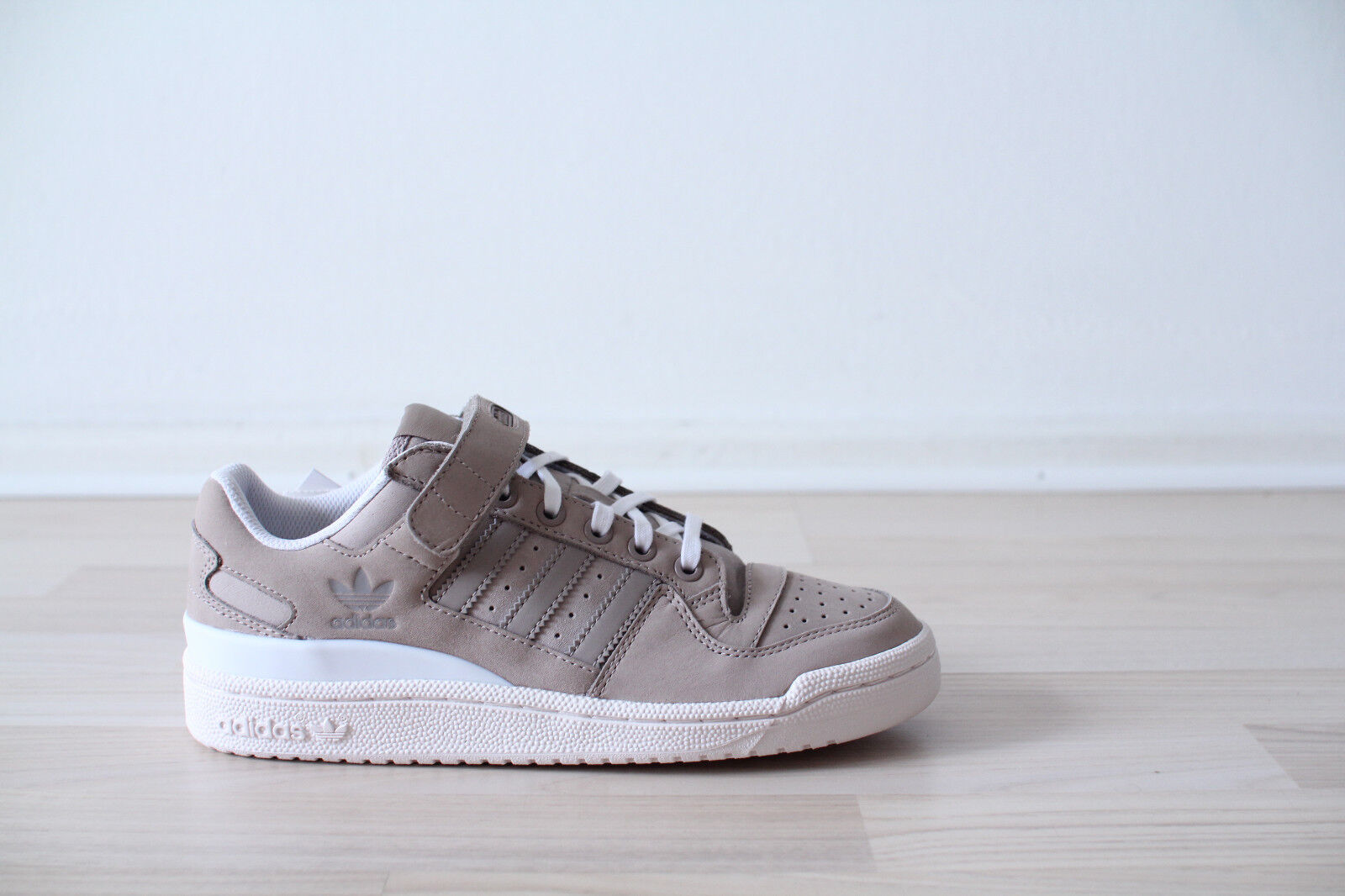 Gr36 Forum 41 Ovp 38 Adidas 46 44 43 Beige Neuamp; Low 40 39 37 45 42 Weiß AL45jR3