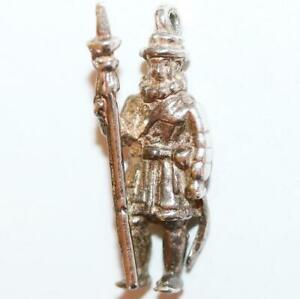 Tower-of-London-England-Beefeater-Guard-Vintage-Sterling-Silver-Charm-2-9g