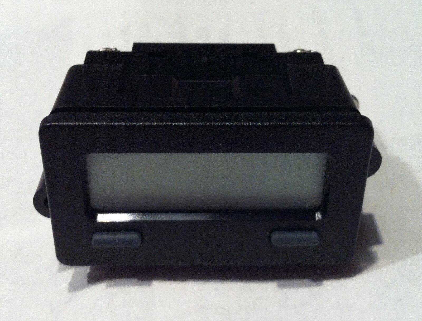 rot LION Controls CUB7P000 Impulszähler, Lithium- Batterie, 0 - 99999999