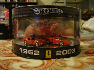 HW Hot Wheels Premium Treasure Hunt 2-Pack Ferrari Enzo & 250 GTO Display Case!!