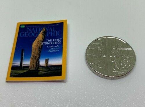 1:12th a mano escala Miniatura Casa De Muñecas National Geographic Magazine