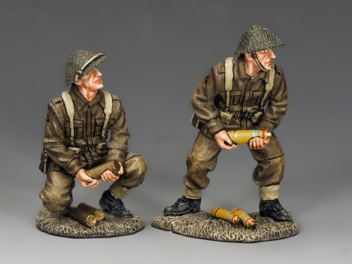 KING AND COUNTRY WW2 WW2 British Shell and Charge Loaders D Day DD207