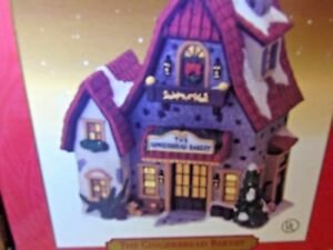2000-SANTA-039-S-WORKBENCH-COLLECTION-INTERIOR-VIEW-034-THE-GINGERBREAD-BAKERY-034