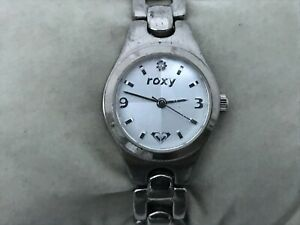 Roxy Ladies Watch Silver Tone Analog Metal Band Wrist Watch Japan Quartz Movemen