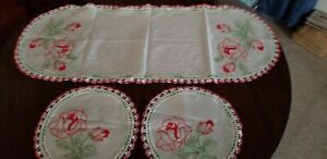 3-Piece-Vintage-Red-Rose-Embroidery-and-Crochet-Doily-Set-Large-Scarf-amp-2-Round