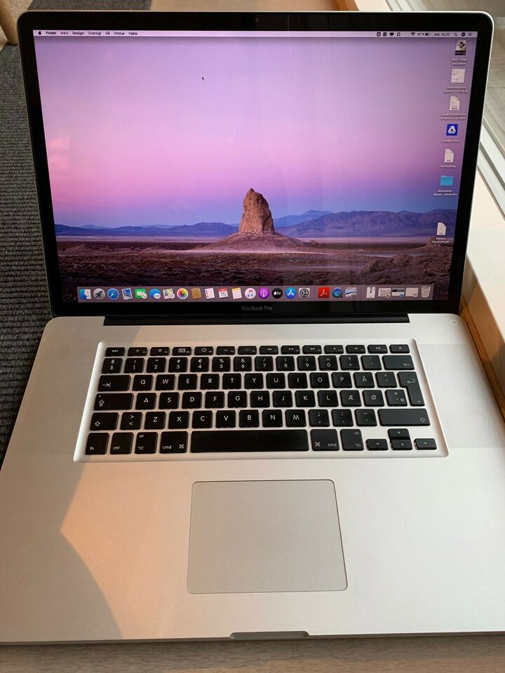 "MacBook Pro, 17"", Mid 2010"