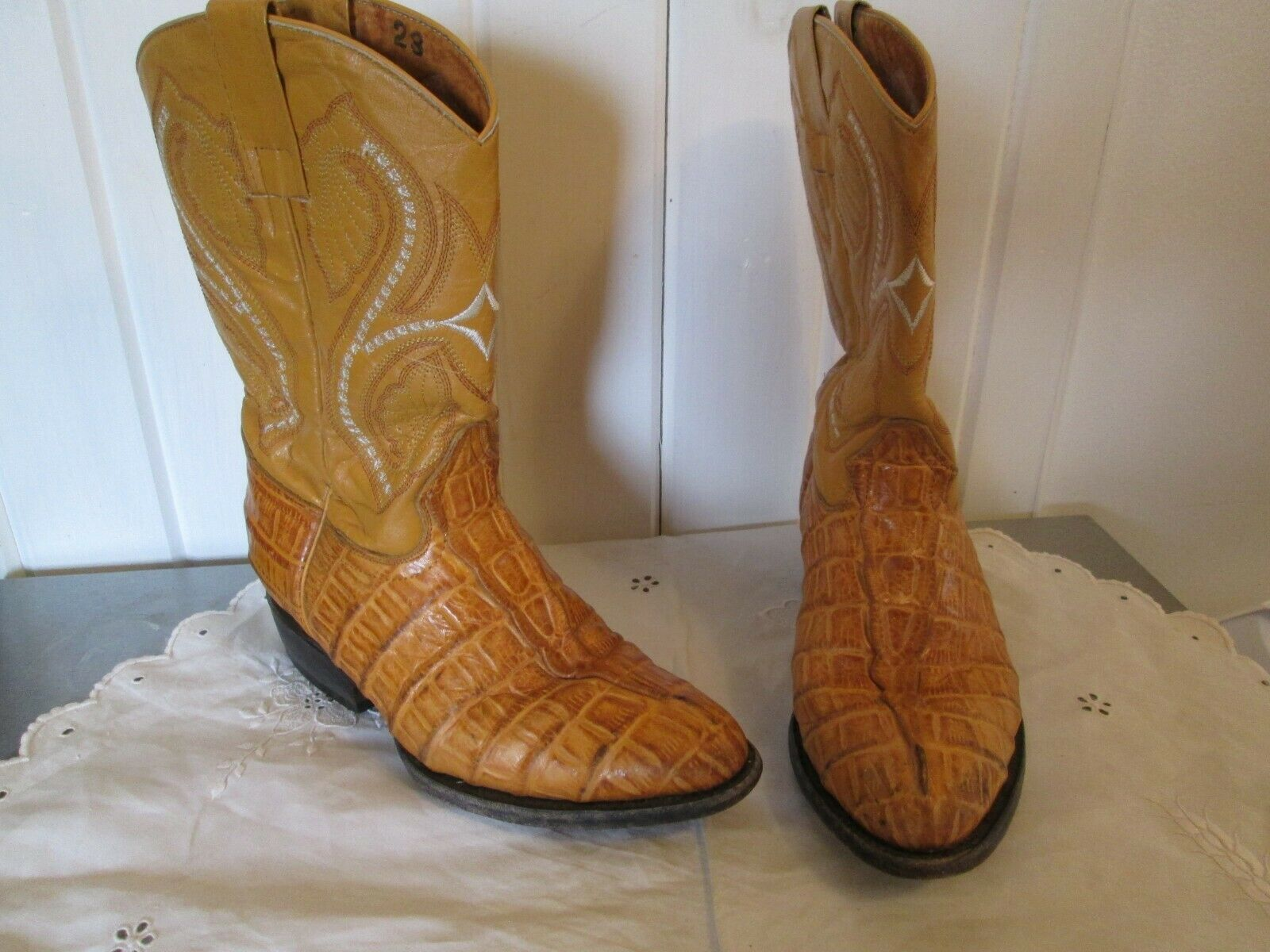 Womens Tan Alligator Leather Boots Mexico Size 23 6 1 2 Leather Embroidery White