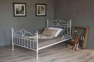 Metallbett weiß 120x200  vintage flair metallbett 120x200 in weiss ecru oder schwarz inkl ...