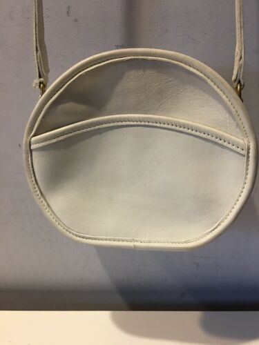 VINTAGE COACH WHITE LEATHER CHESTER CANTEEN CROSSB