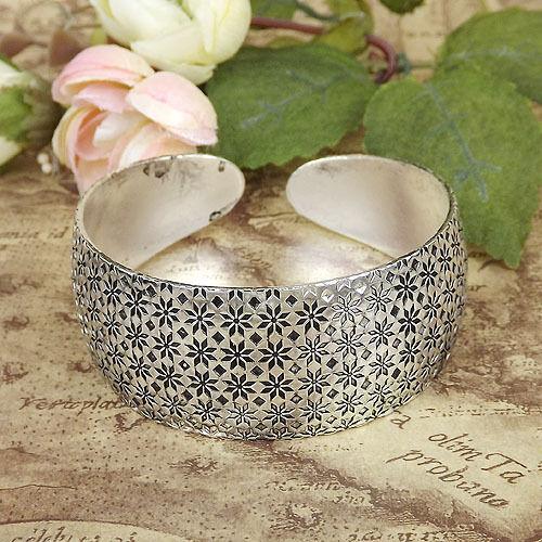 Women Tibetan Silver Carved Flower Cuff Bracelets Bohemian Vintage bangles 1pcs