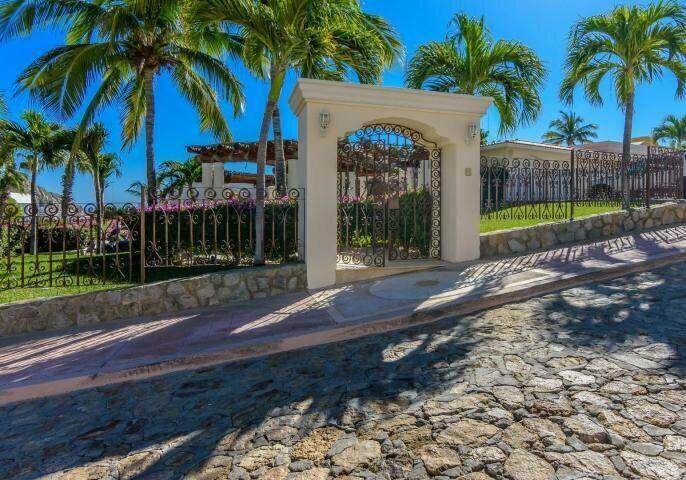 La Casa Roca El Pedregal - MLS#19-3569