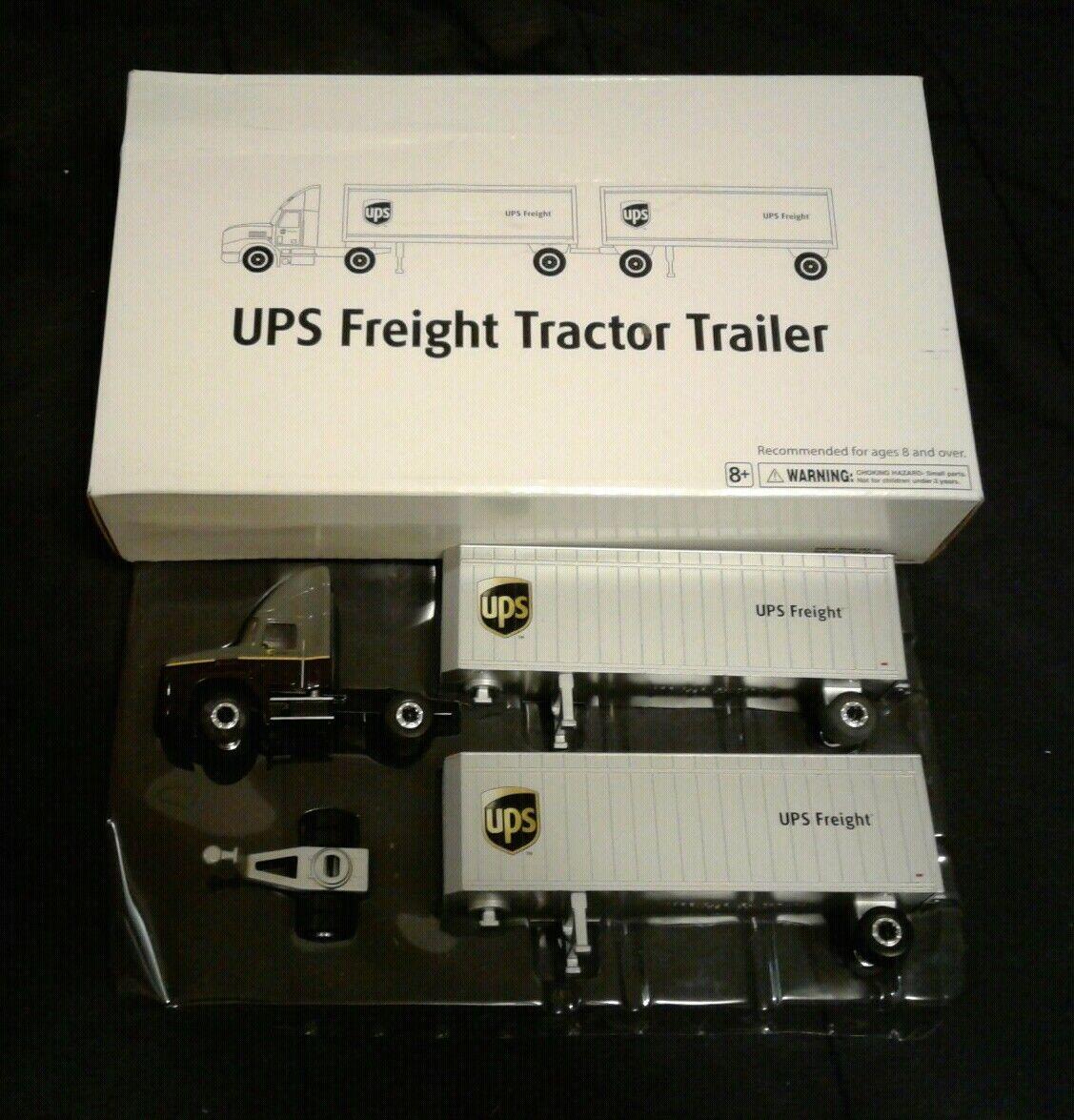 UPS United Parcel Service Cochega de remolque de tractor 500716 oroen wheel con caja