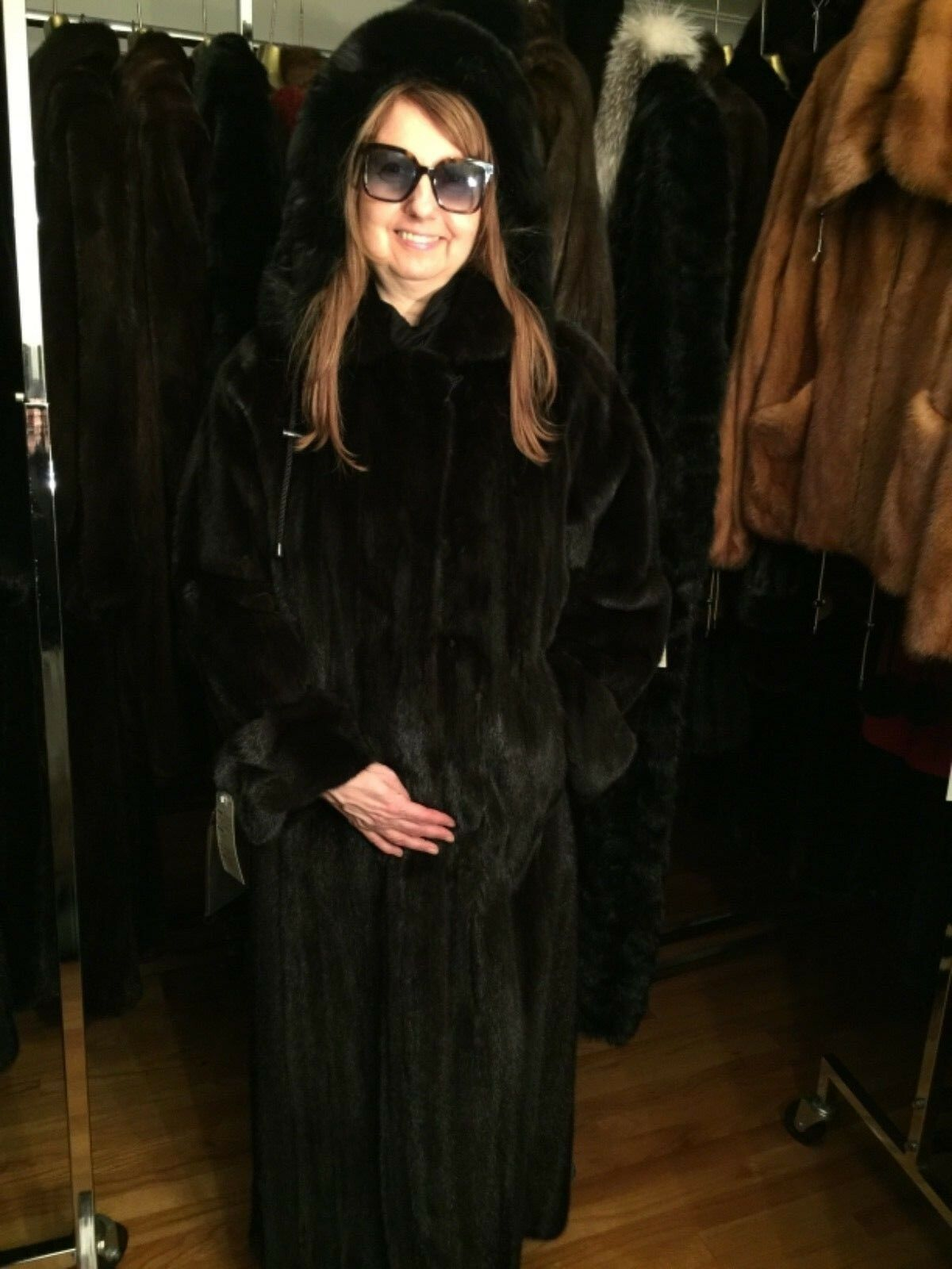 BRAND NEW W TAGS PIERRE BALMAINE FEMALE RANCH MINK COAT W HOOD.SIZE M. 10500.00