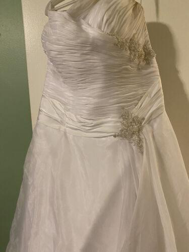 plus size wedding dresses 24/26