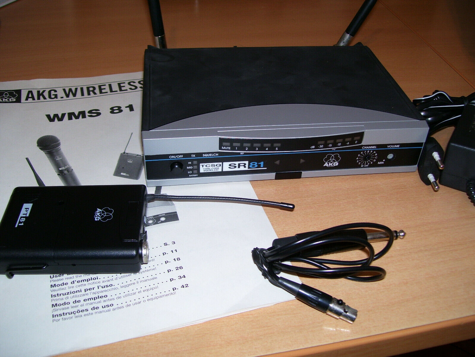 AKG Drahtlosanlage ,WMS 81, Gitarre,UHF, Wireless, Top Zustand,Taschensender