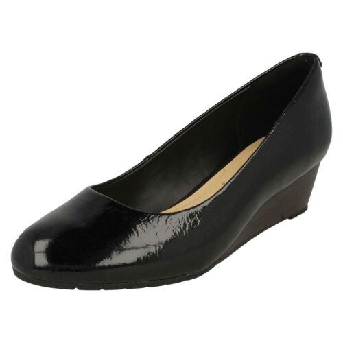 Ladies Clarks Small Wedge Heel Pumps Vendra Bloom