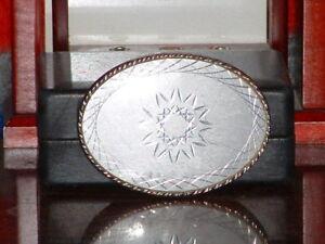 Pre-Owned-Silver-Tone-Diamond-Cut-Design-Belt-Buckle