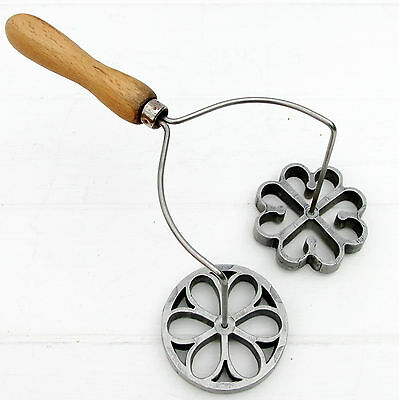 Vintage Retro Rosette Iron Biscuit Cookie Maker Hearts Flower