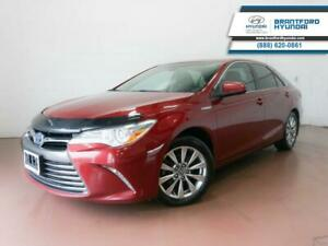 2016 Toyota Camry HYBRID   1 OWNER   SUNROOF   HTD SEATS