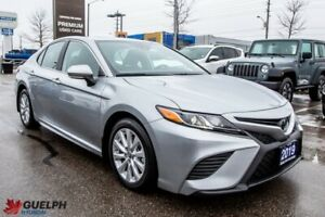 2019 Toyota Camry SE -CLEAN CARFAX