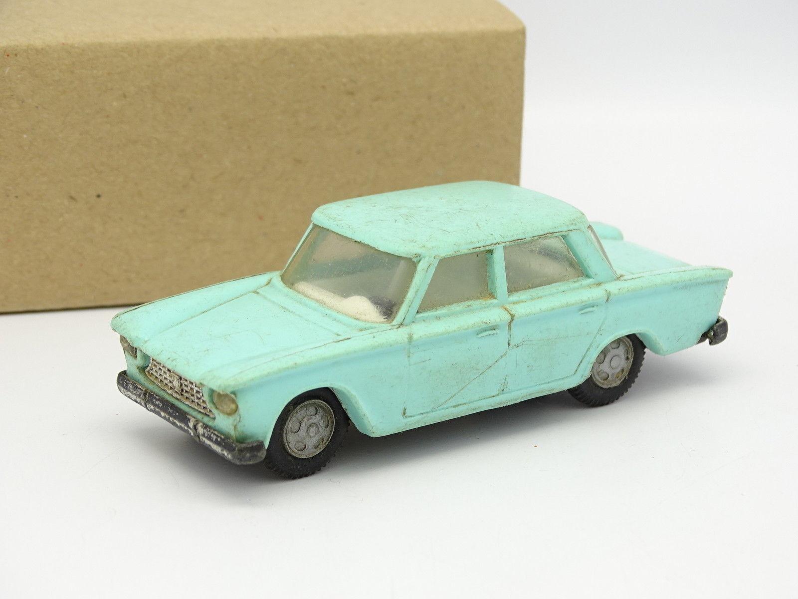 Politoys Plastique SB SB SB 1 43 - Fiat 1300 verdee 02be31