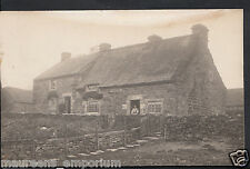 Unlocated Postcard - Unknown County - Large Farm House or Cottages  RS180
