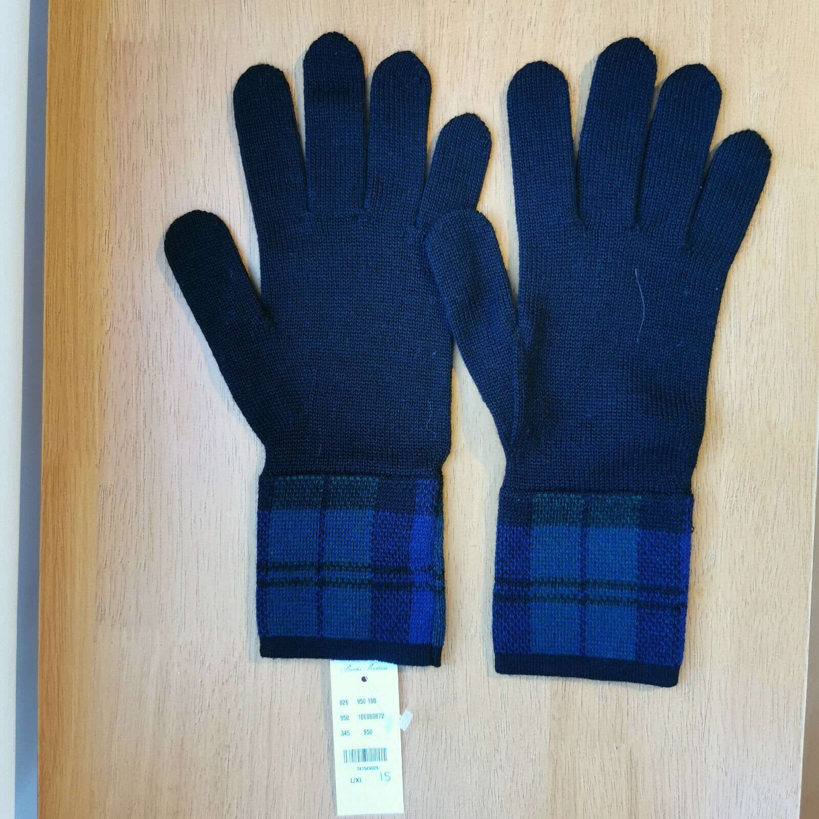 Brooks Brothers Red Fleece Wool and Acrylic Tartan Pattern Gloves Black Large/XL