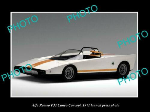 OLD 8x6 HISTORIC PHOTO OF 1971 ALFA ROMEO P33 CUNEO CAR LAUNCH PRESS PHOTO