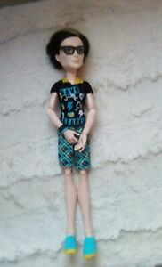 Monster-High-doll-Jackson-save-Frankie