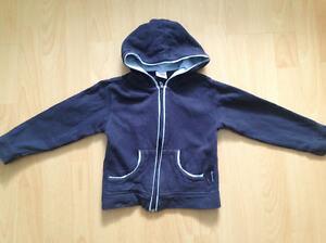 Strickjacke-mit-Kapuze-Gr-98-104-aus-Baumwolle-blau