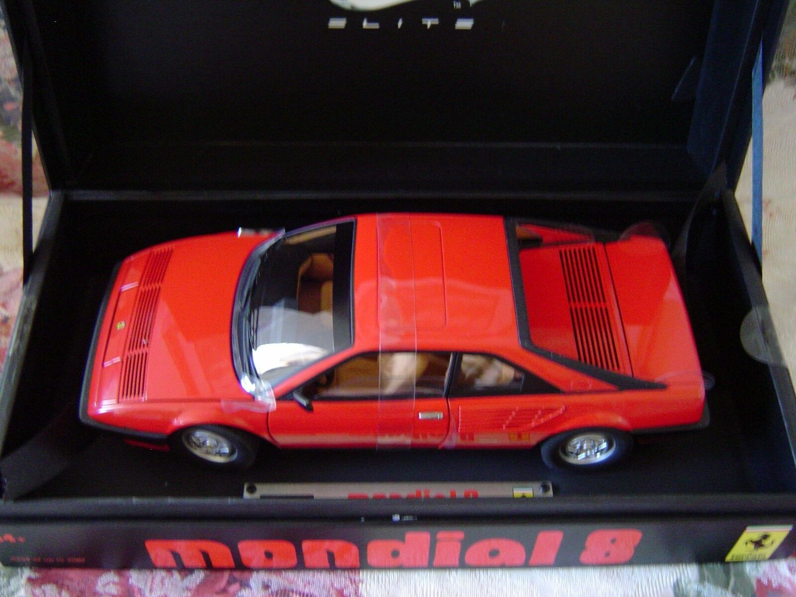 Hot wheels ferrari mondial super - elite 18 & collector 's auto - fall
