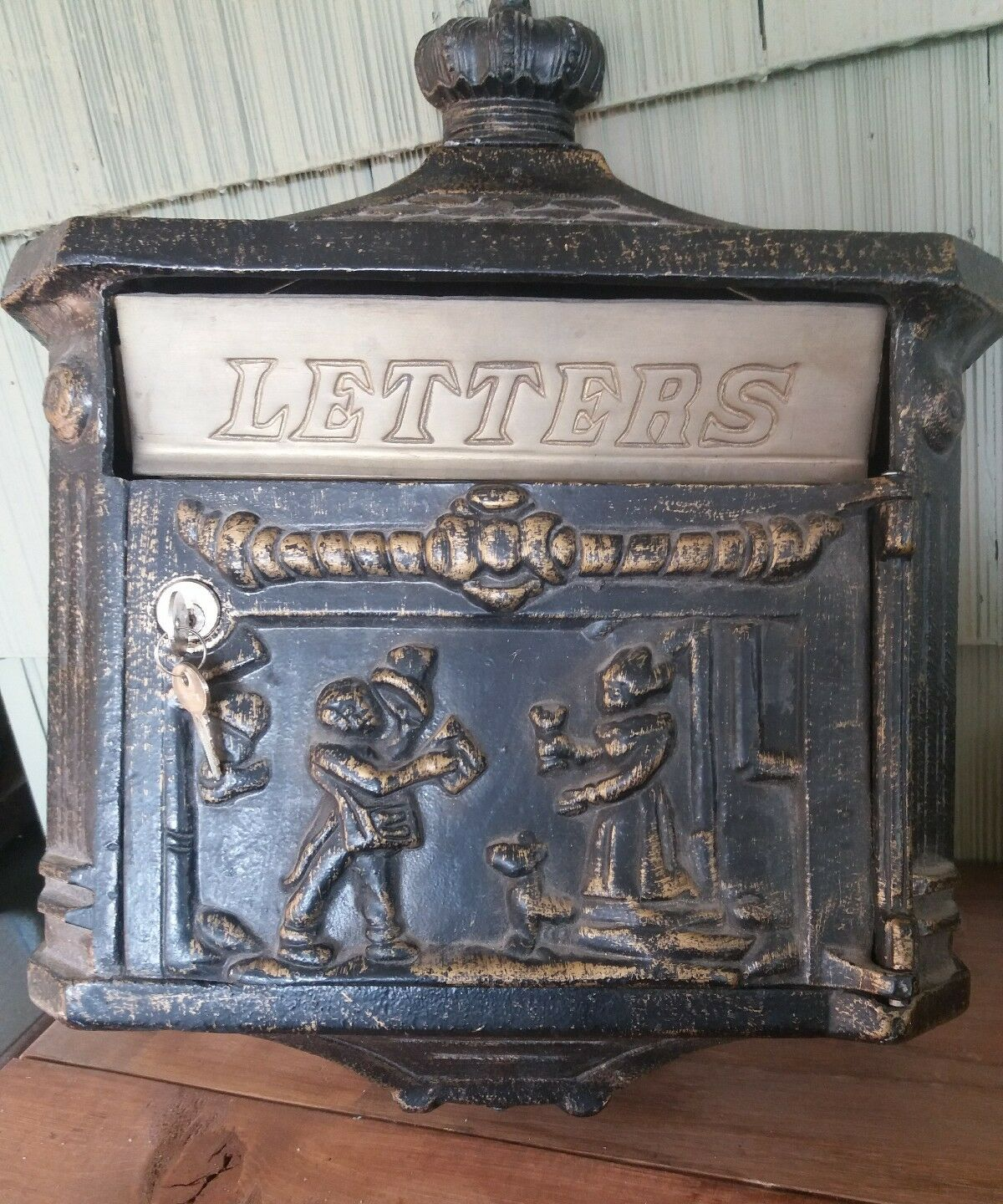 Heavy Duty Metal Wall Mounted Colonial Style Mailbox