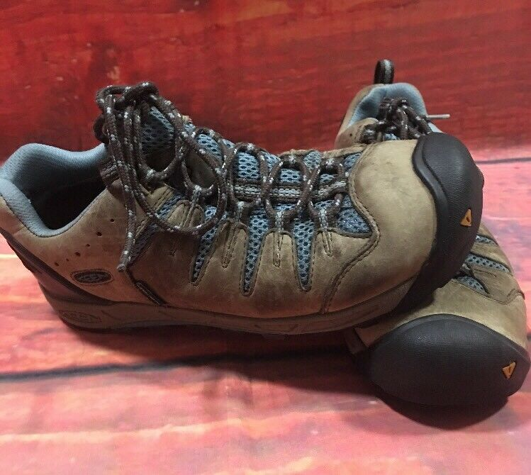 Keen Dry Water Proof Womens Hiking shoes Size 7.5
