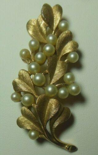 Vintage CROWN TRIFARI Gold Tone Heart Shaped Leave