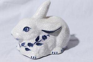Vtg-Dedham-Pottery-The-Potting-Shed-Bunny-Crackle-Glaze-Rabbit-Figurine-3-5-034