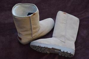 Steamer Lane Ugg Boot
