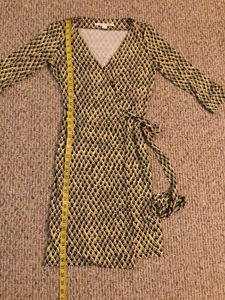 Diane Von Furstenberg 100% Silk Silk Silk 3 4 Sleeve Wrap Dress Size  4 6f2dc2