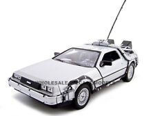 "DELOREAN ""BACK TO THE FUTURE 1"" 1:24 DIECAST MODEL CAR BY WELLY 22443"