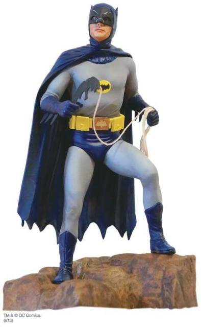 1966 Catwoman Batman Modell Bausatz detailliert stehend 1:8 Moebius 952 TV Serie