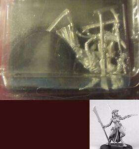 Miniatures Female Aliens NIB 4 Bombshell BOM35000 Counterblast Neiran Core Set